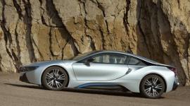 Rewolucyjne BMW i8 wyłącznie na oponach Bridgestone LIFESTYLE, Motoryzacja - Firma Bridgestone została wybrana przez firmę BMW jako wyłączny dostawca opon do jej rewolucyjnego samochodu elektrycznego i8.