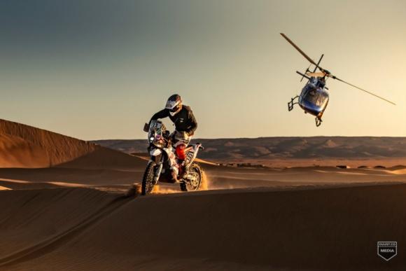 Konrad Dąbrowski najmłodszym Polakiem na Dakarze 2021 LIFESTYLE, Motoryzacja - Już za półtora miesiąca światowa czołówka zawodników rajdów terenowych spotka się na kultowym Rajdzie Dakar.