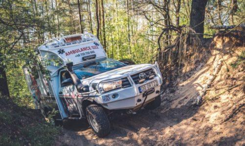 Hilux jako septyczna karetka – unikalny ambulans